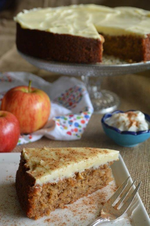 apple yoghurt cake with chai spices